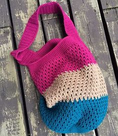 This is a pattern for a hobo style tote or market bag.