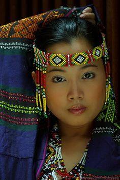 Colorful Philippine Portrait - Culture - Portrait - Title She' Beautiful World, Beautiful People, Beauty And Fashion, Native American Women, American Indians, Beauty Around The World, Cultural, Beautiful Children, People Around The World