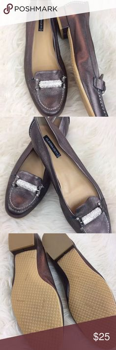 ✨CLAUDIA CIUTI Copper Brown Leather Loafers Sz 9✨ Stunning! CLAUDIA CIUTI Copper Brown LEATHER LOAFERS with Bling Chain Detail   Size - 9 Narrow  Color - Copper Brown  New only worn for an advertising photo shoot! Clean no scuffs or marks   Made in Italy   ***Box not included *** CLAUDIA CIUTI Shoes Flats & Loafers