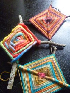 Gods Eye Tutorial OP sez Originating in Mexico the Huichol people call their Gods eyes Sikuli which means the power to see and understand things unknown When a child is b. Art For Kids, Crafts For Kids, Arts And Crafts, Craft Kids, Weaving Projects, Craft Projects, God's Eye Craft, Gods Eye, A Child Is Born
