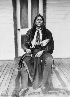 An old photograph of the Native American known as Quanah Parker - Comanche [B]. Native American Pictures, Native American Tribes, Native American History, American Symbols, Comanche Indians, Quanah Parker, Native Indian, First Nations, Nativity