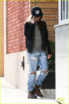 Find Out Why Ellen Page 'Stays Away from Balls' - Watch Now! | Ellen Page Photos | Just Jared