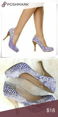 """Free gift with  $27 purchase Malia heels. 🌟SD Madison line. Sculpted stacked heel. The material imitates fabric with snake print.   🌟Details: heel 4-1/2"""", platform 3/4"""", the shoe runs a bit big like 1/4, will fit better narrow size 7.5, or chabby size 7. The material is hard, so don't rely on stratching the shoe.  🌟Please use only ✔OFFER 👈 button for all price negotiations. Shoe Dazzle Shoes Heels"""
