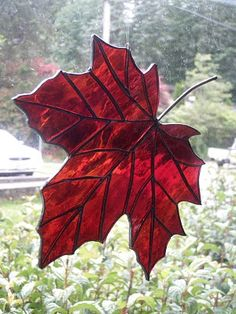 stained glass maple leaf from Margret Billings , paper art card from Valerie Gilbert Antique Stained Glass Windows, Stained Glass Flowers, Faux Stained Glass, Stained Glass Designs, Stained Glass Projects, Stained Glass Patterns, Mosaic Glass, Fused Glass, Canada Day Party