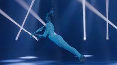 Lindsey Stirling - Crystallize (from Home For The Holidays) #music #violin #instrumental #homefortheholidays #hairhanging #art #performance #lindseystirling #crystallize