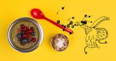 Groene smoothie, lekker erbij: nootjes met geraspte kokos #gezondelunchtrommel #yourtips #goodfood
