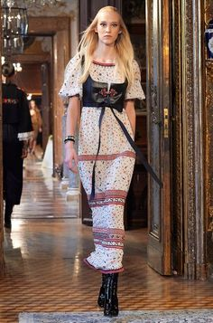 Eva Berzina au défilé Chanel Métiers d'Art 2014.
