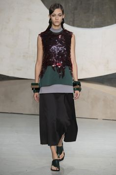 Marni Spring 2016 Ready-to-Wear Collection Photos - Vogue