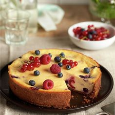 Tarta de frutas rojas Food N, Food And Drink, Sin Gluten, Cheesecakes, Bon Appetit, Delicious Desserts, Cake Recipes, Bakery, Sweets