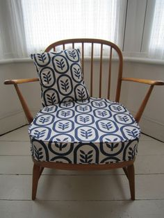 Beautiful Vintage Ercol Windsor Armchair in Spoonflower Fabric G Plan Furniture, Ercol Furniture, Furniture Upholstery, Upcycled Furniture, Knoll Chairs, Ercol Chair, Upholstered Chairs, Armchair, 1950s Living Room