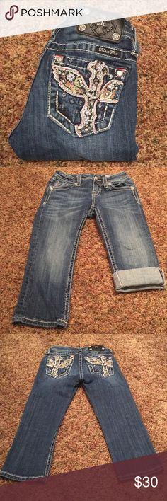 Miss Me girls capris Size 10 girls capris . Dark rinse , inseam 17.5, EUC Miss Me Bottoms Jeans