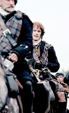Jamie's knee kilt appreciation  http://outlander-online.tumblr.com/post/99139440490/photoset_iframe/outlander-online/tumblr_ncx201XxQ21tmejbv/500/false