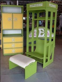 More of the same 1960s Mod Drexel bedroom set - these two pieces are to die for, I would LOVE those two!