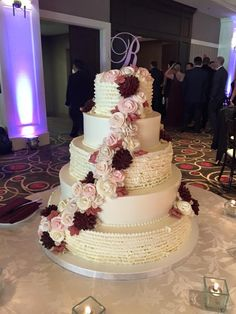 5 tier wedding cake burgundy and pink roses