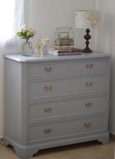 Painted Bedroom Furniture, Deco Furniture, Room Decor Bedroom, Home Bedroom, Twin Girl Bedrooms, Wood Corner Shelves, Hallway Storage, Aesthetic Room Decor, Closet Designs