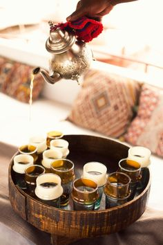 Mint Moroccan Tea <-- Seems such a ceremony. Mint tea is quite cooling, even though a hot drink. one of those tricky things. La Pause Marrakech, Coffee Time, Tea Time, Smoothies, Tea Culture, Mint Tea, My Cup Of Tea, Tea Ceremony, Afternoon Tea