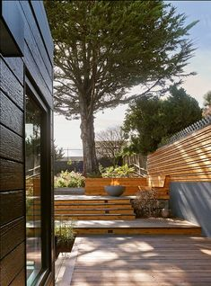 Azevedo Design · Douglass Park SF - last deck step as landing, 5' deep