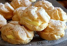 Pasta Choux, Decadent Food, Eclairs, Italian Recipes, Brunch, Food And Drink, Biscuits, Baking, Breakfast