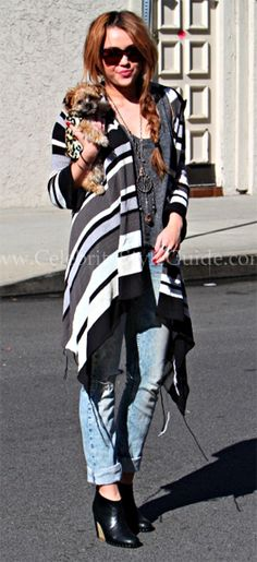 Love the mix of cardigan with rolled skinnies and booties