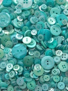 Buttons, buttons and more buttons. Aquamarine ~ Teal ~ Turquoise ~ Beautiful ~ Calming ~ Aqua, I love you so very Tiffany Blue, Verde Tiffany, Azul Tiffany, Shades Of Turquoise, Teal Blue, Shades Of Blue, Blue Green, Pink, Button Art