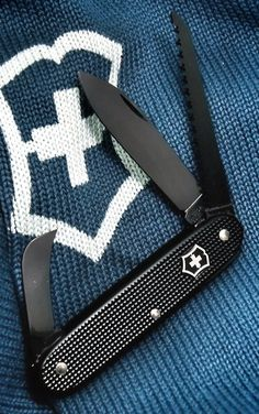 Victorinox Wilderness - Black