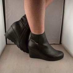 Poze Ghete talpa ortopedica   2016 Wedges, Boots, Fashion, Crotch Boots, Moda, Fashion Styles, Shoe Boot, Fasion, Wedge