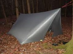 """réduire la prise au vent sur le côté. et fermeture du tarp . ça me plait.  """"tarp tent"""" version hamac faitière et:ou tente"""