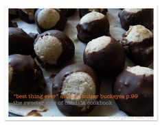 Make this sugar free candy to give or keep! This printable Almond Buckeyes recipe is just one of *many* amazing desserts in the sugar free… Low Carb Desserts, Healthy Desserts, Fun Desserts, Dessert Recipes, Healthy Recipes, Sugar Free Candy, Sugar Free Treats, Trim Healthy Momma, Eggnog Recipe