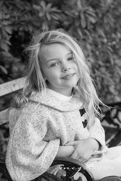 ©MCG Photography | historic downtown Charleston | winter family portraits | lifestyle | young girl | black and white