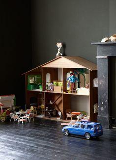 Vintage 2 bedroom apartment in Maastricht, Holland 2 Bedroom Apartment, Nursery Room, Contemporary, Modern, Vintage Toys, Playground, Vintage Designs, Living Spaces, Kids Room