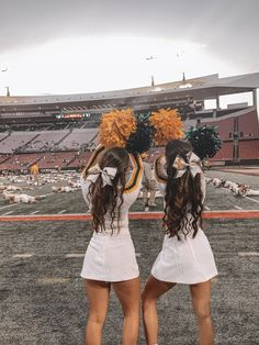 Cheerleading Outfits, Cheerleading Photos, Cheer Outfits, Cheerleading Jumps, Cardinals Nfl, Arizona Cardinals, College Football, Football Cheer, Cheer Picture Poses