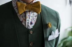 カジュアルウェディング新郎衣装_グリーンノーカラースーツ