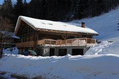 Ferme ancienne à l'entrée de la station de ski d'Arêches-Beaufort, entièrement rénovée en 2 chalets mitoyens avec grande terrasse et garage couvert restaurés en 2014 -  Design et matériaux haut de gamme (bois / cuir / laine vierge / pierre naturelle / poêle steatite).