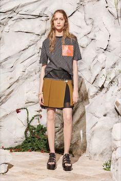 Sfilata Carven Parigi - Pre-collezioni Primavera Estate 2017 - Vogue