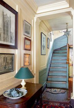 Historian and presenter Dan Cruickshank employed a sensitive approach to the renovation of his Georgian townhouse that respects and preserves its heritage Georgian Townhouse, Georgian Homes, Georgian Interiors, Cottage Interiors, Period Living, Interior And Exterior, Interior Design, Diy Inspiration, Painted Stairs