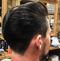 A tapered pompadour style with Layrite Original Deluxe courtesy of Pompadour Style, Modern Pompadour, Slick Hairstyles, Classic Hairstyles, Male Hair, Slicked Back Hair, Men's Hair, Great Hair, Ducks