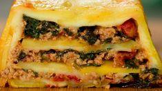 Notați o rețetă incredibilă din ingrediente obișnuite: cartofi gratinați cu carne tocată! - savuros.info Romanian Food, Spanakopita, Mozzarella, Ethnic Recipes