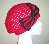Chunky Slouch Beanie with bow red and black made to fit Teen & adult