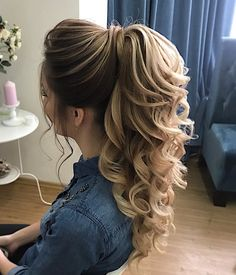 DIY-Pferdeschwanz-Ideen, die Sie bis 2019 wollen DIY Ponytail Ideas You Want to 2019 – DIY Ponytail Ideas You're Totally Going to Want to 2019 Formal Ponytail Hairstyle; Hairstyle for 2019 trend; Daily Hairstyles, Formal Hairstyles, Curly Ponytail Hairstyles, Easy Hairstyle, Hairstyles For Weddings Bridesmaid, Hairstyle Ideas, Long Hair Updos, Hair Ponytail Styles, Pageant Hairstyles