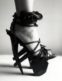 Killer HOT shoes! Love the tones in the photograph, too!