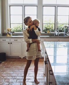 Mom And Baby Photography Discover 6 Unscripted Hours With Kristin Cavallari Im not all that great at cooking-- but I am great at dancing around the kitchen for hour with baby Paul Ezra :) Family Goals, Family Life, Baby Family, Foto Baby, Baby Kind, Baby Baby, Mommy And Me, Belle Photo, Cute Kids
