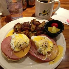 """See 124 photos and 13 tips from 669 visitors to the Diner 樂子餐廳. """"I have had better Egg Benedict. Anyway, still taste good and the atmosphere is. Egg Benedict, Taipei, Breakfast, Places, Food, Morning Coffee, Meals, Yemek, Eten"""