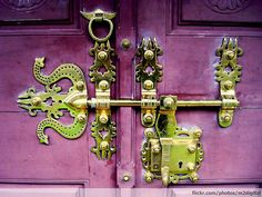 Manichithrathazhu (Ornate Lock) by Robinn-GK, via Flickr