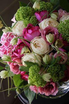 Really beautiful arrangement, almost musical: Roses, ranunculus, hydrangea, fritillaria and