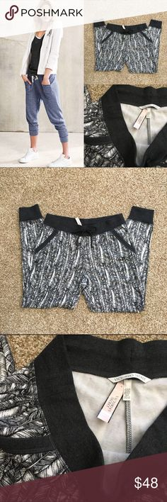 NWT S VS Jogger/sweat pants Brand new. No flaws! Extremely soft inside. Full length. So comfortable! Cute pattern and drawstring on the outside.   Make sure to check out all of my other VS listings if you'd like to bundle!   Any questions just ask! Multiple items get big discounts! ❌NO TRADES❌  Smoke free but pet friendly! (There might be some stray cat hair even though I always lint roll before sending things out!)   Check out my closet for more great/cheap items! :) Victoria's Secret Pants…