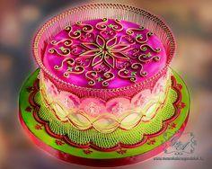 tortadíszítés, tortadíszítő tanfolyam, royal icing, írókázás, írókázott torta, Iced Cake