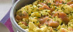 Les œufs brouillés au saumon fumé et à l'aneth
