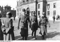 Otto Skorzeny (left) and the former Brandenburger Adrian von Fölkersam (right) now with Skorzeny's SS-Jagdverbände in Budapest after Operation Panzerfaust, 16 October 1944