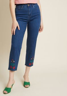 0c2041658c2 Unlocking utter delight is quick work with these cropped jeans at your  disposal! A high