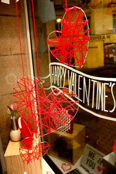 Vitrine Happy Valentine's Day by Les P'tits ¨Papiers à Nantes. 2014